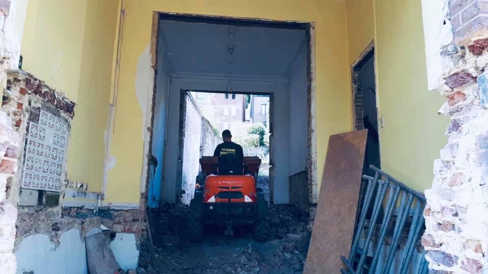 Travaux de démolition en province de Namur