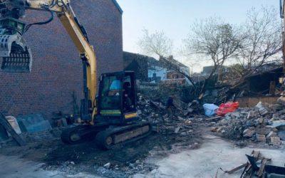 Désamiantage de toitures à Milmort et démolition manuelle à La Louvière