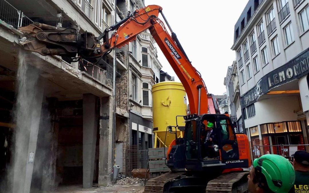Démolition d'une structure béton-acier dans le centre ville de Liège !