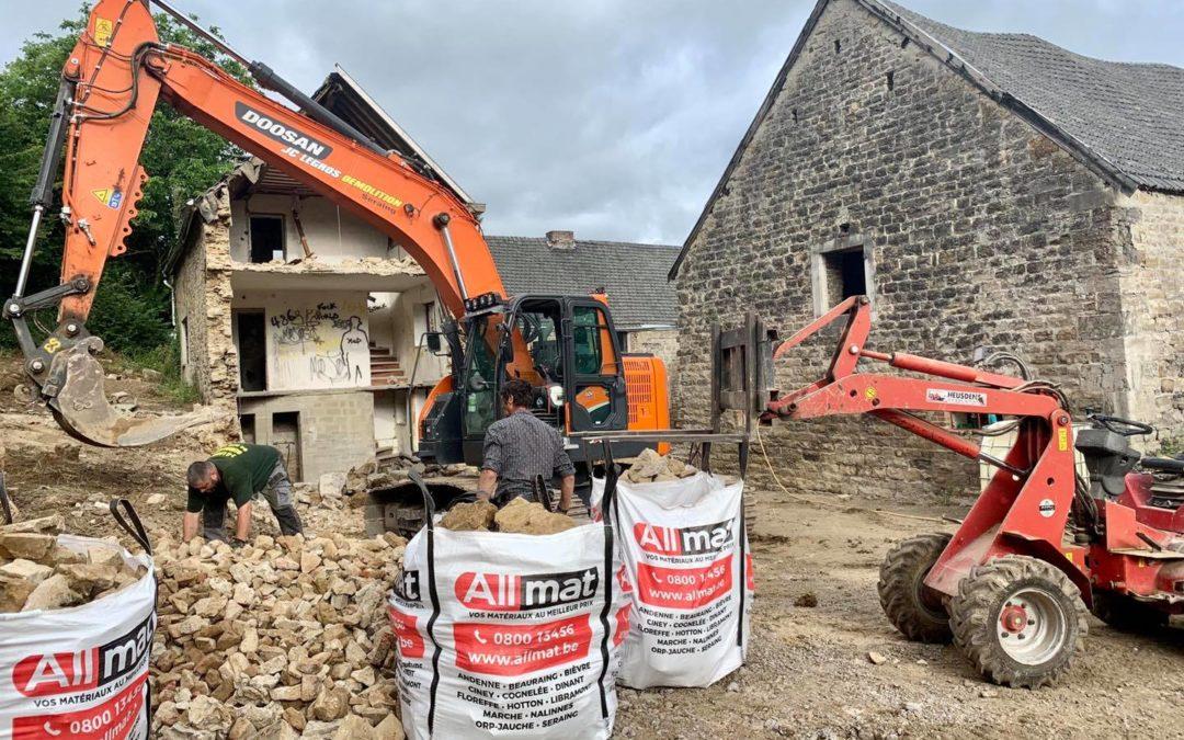 Nettoyage des abords et démolition d'un corps de ferme près de Liège