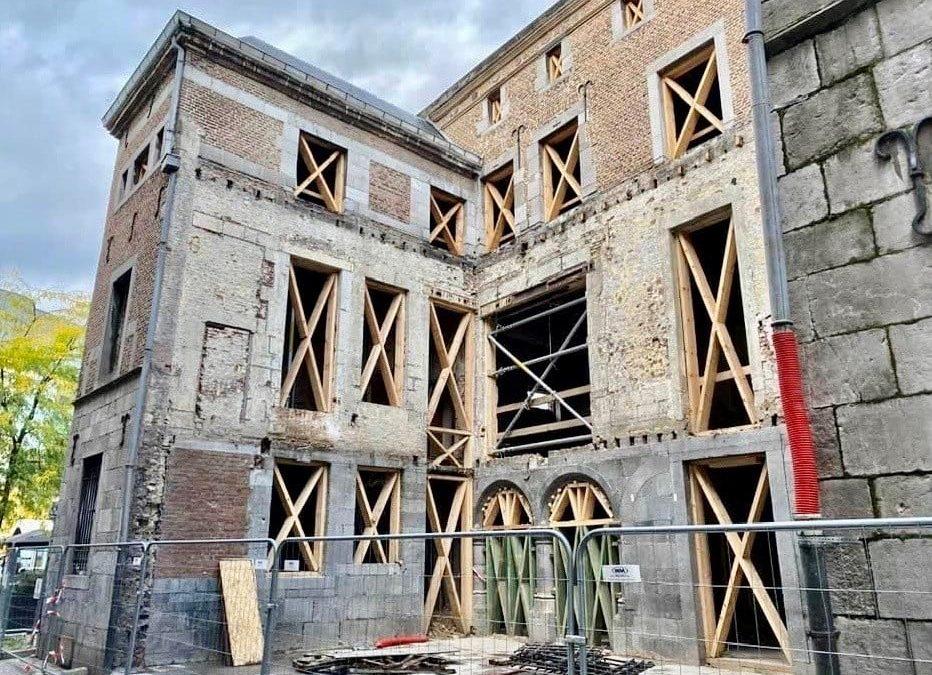 Déconstruction précautionneuse réalisée par nos équipes à Liège