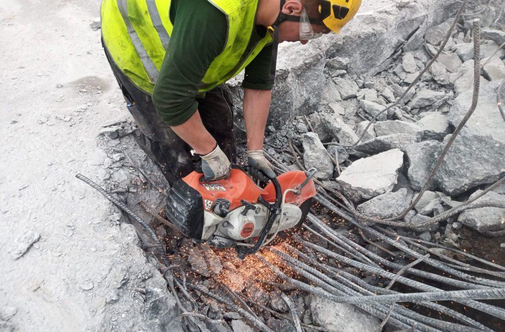 Démolition mécanique d'une dalle en béton de 1900m3